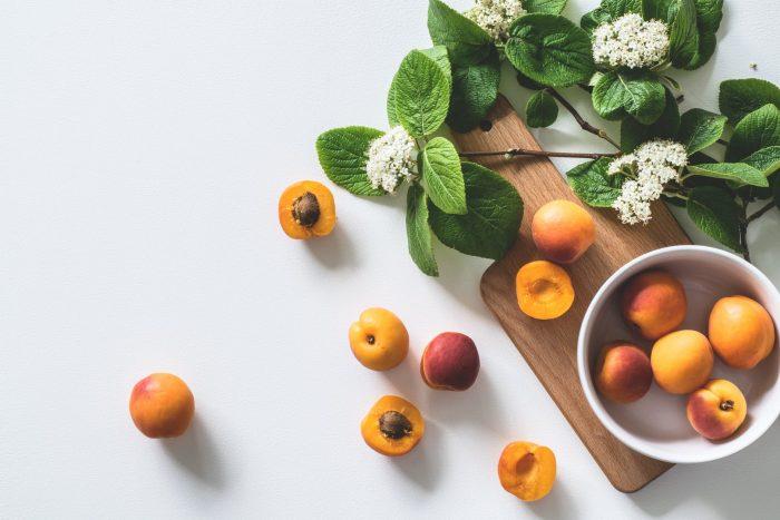 ビタミンのある果物と花