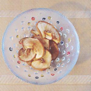 オーブンで乾燥させた自家製ドライフルーツ