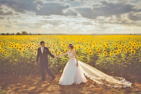 新婚旅行で国内のおすすめ、温泉や食べ歩きなど予算に合わせて教えます!