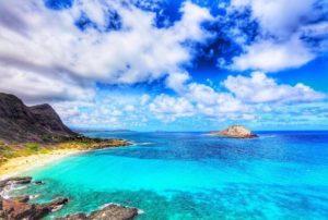 ハワイ新婚旅行でビーチ満喫