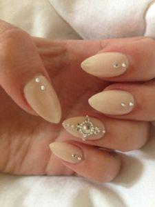 claw-nails-tumblr-nails-stiletto
