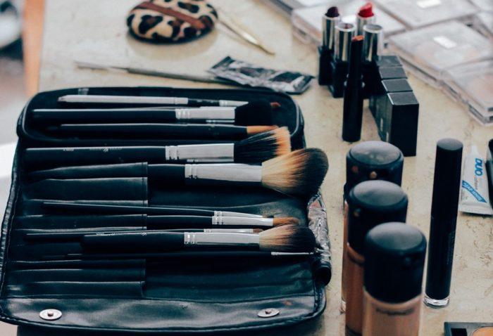 化粧ブラシ アイキャッチ