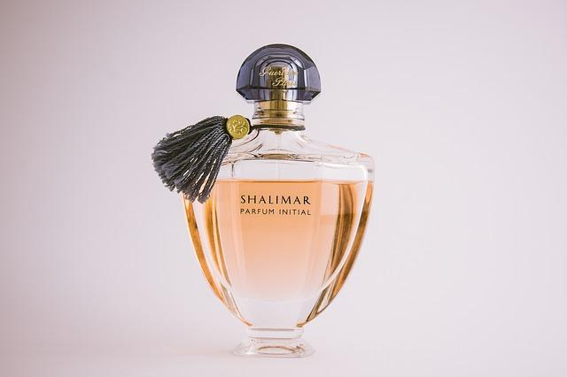 19~20世紀にはゲランやシャネルの香水が発売